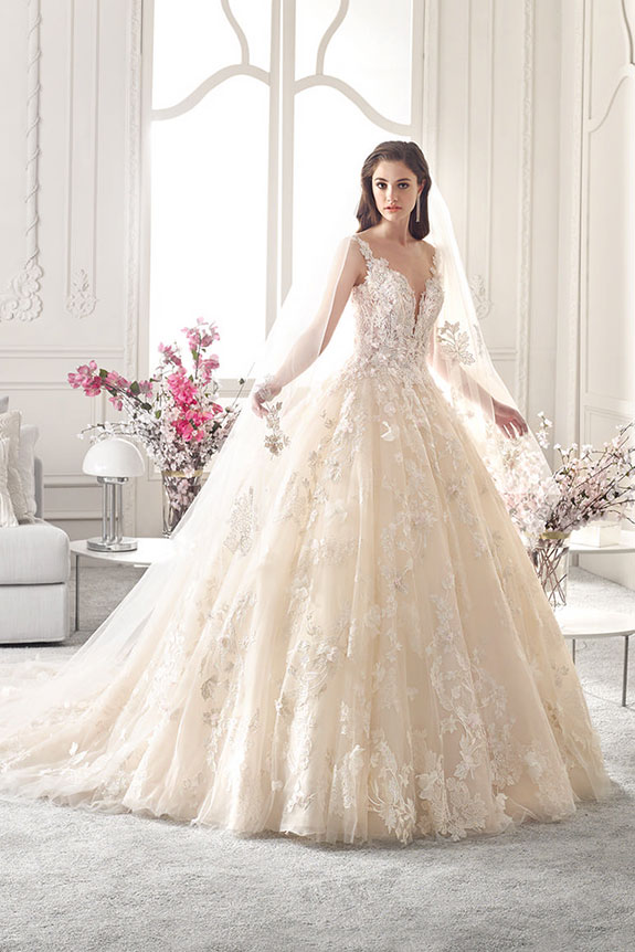 Abiti Da Sposa Principeschi.Abito Da Sposa Principesco Demetrios Style 878 Nozze Da Favola